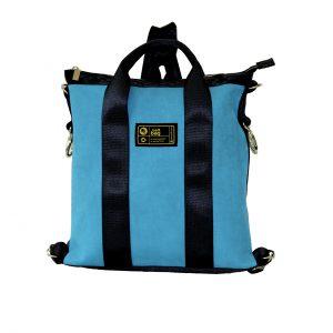 borsa in cinture di sicurezza e similpelle blu vista frontalmente
