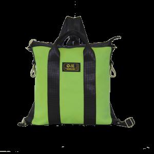 borsa in cinture di sicurezza e similpelle verde vista frontalmente
