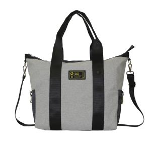 Borsa bauletto in tessuto grigio con manici e tracolla regolabile.