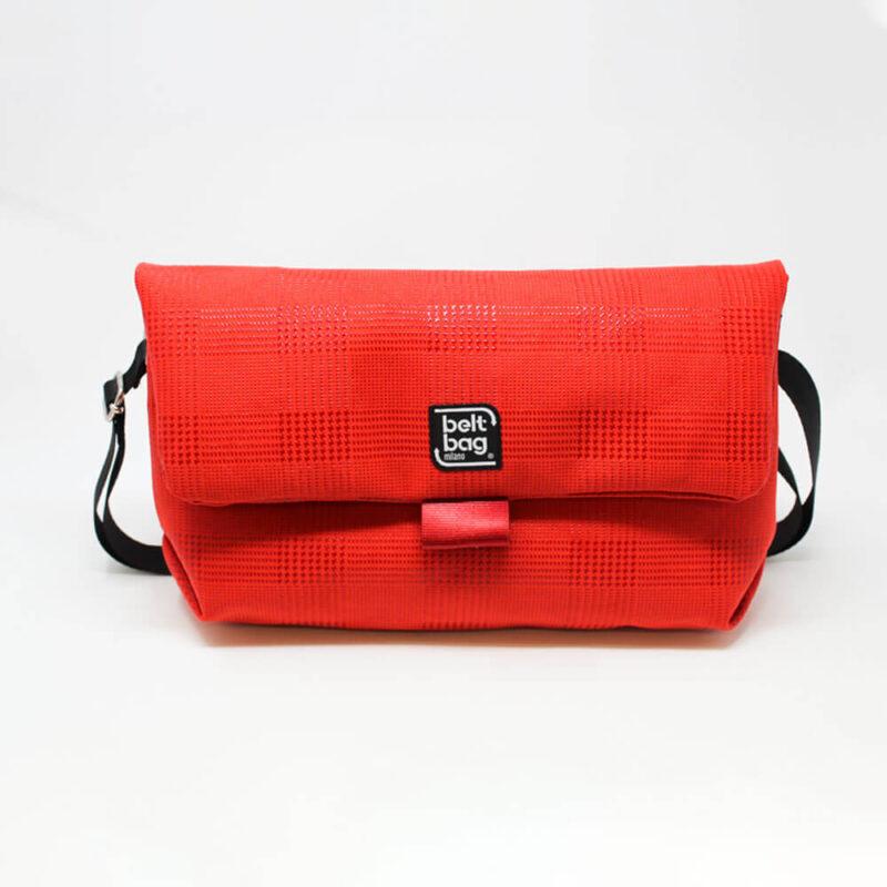 FLAP BG similpelle stampata tweed colore rosso con chiusura in cintura rossa FRONT