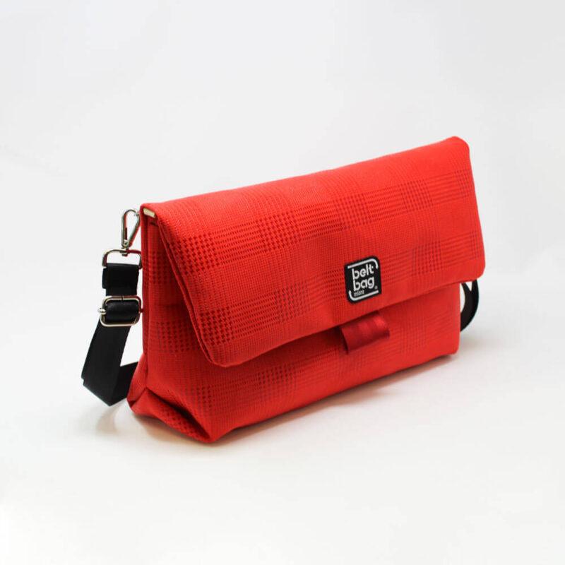 FLAP BG similpelle stampata tweed colore rosso con chiusura in cintura rossa LAT